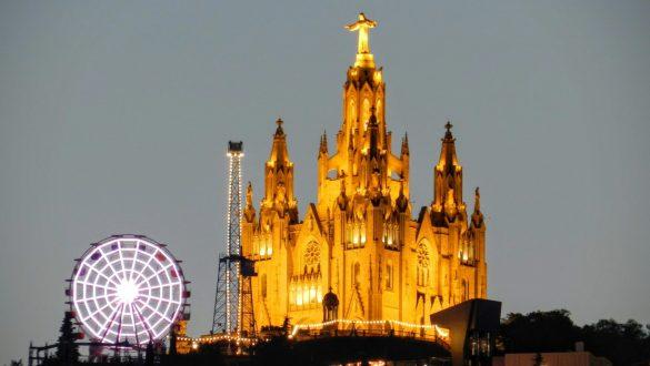 tibidabo-barcelona-con-parque-de-atracciones